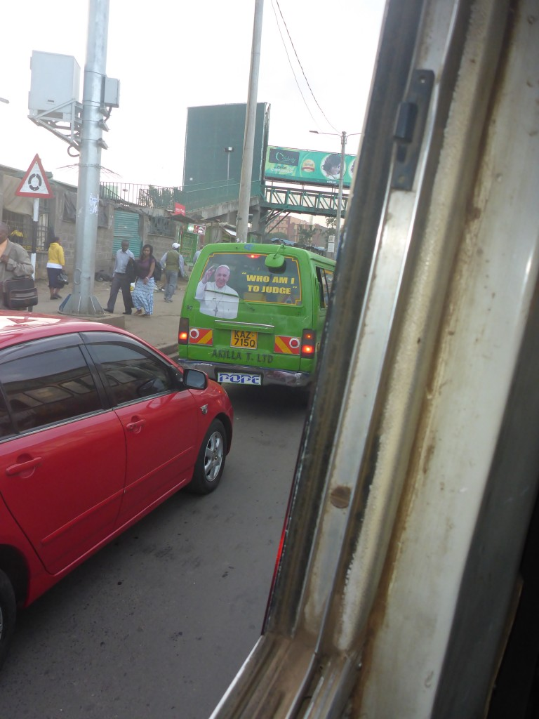 Les Kenyans aiment décorer leur bus!